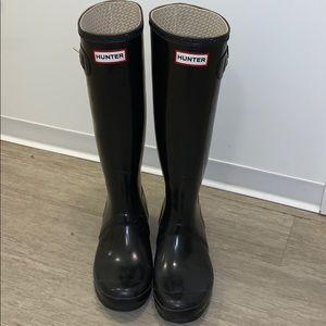 Hunter boots- shiny black